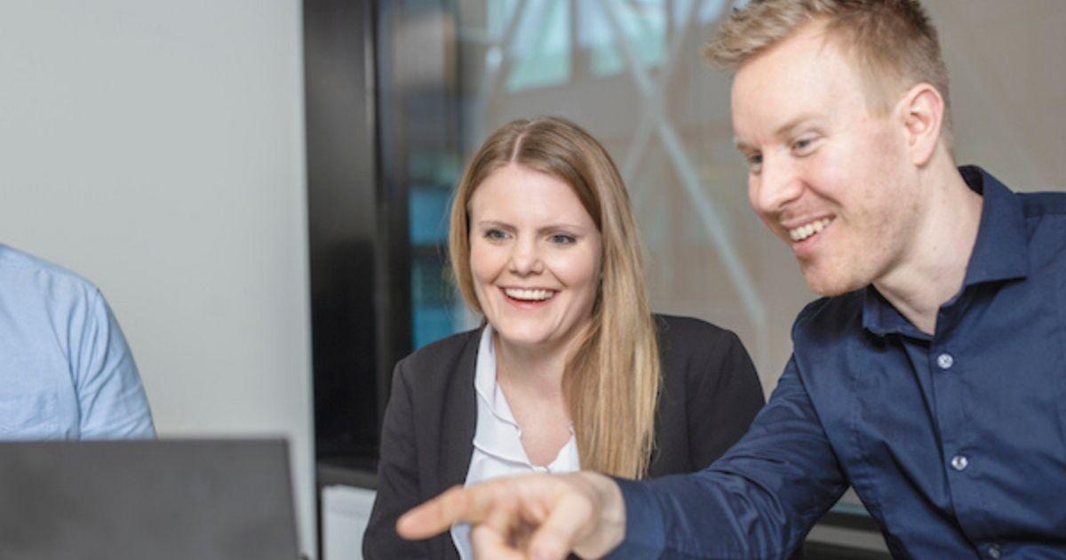 En redovisningskonsult från ECIT hjälper dig med ditt företags redovisning genom råd och även i praktiken